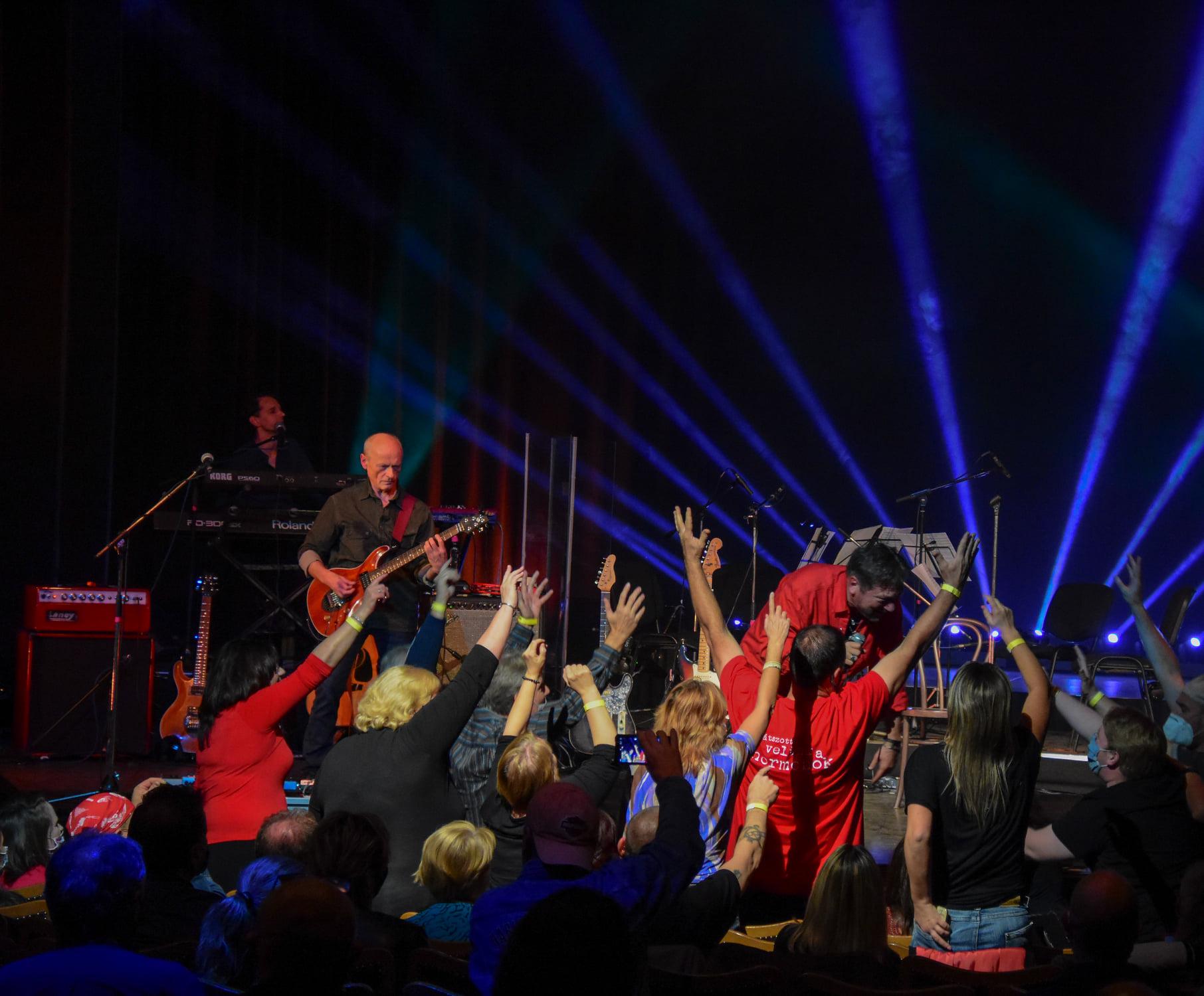 MOM 20201025 koncert